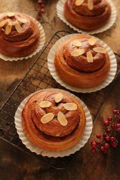 nagyiさんの「大人の珈琲シナモンロール」レシピ。製菓・製パン材料・調理器具の通販サイト【cotta*コッタ】では、人気・おすすめのお菓子、パンレシピも公開中!あなたのお菓子作り&パン作りを応援しています。