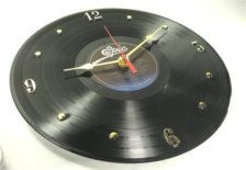 Creative Diy Ways To Reuse Old Cd's - Best Craft Projects Vinyl Record Projects, Vinyl Record Art, Record Clock, Record Wall, Vinyl Diy, Peter Paul And Mary, Room Deco, Old Vinyl Records, Old Cds