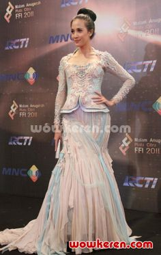 Fanny Fabriana di Red Carpet Festival Film Indonesia 2011