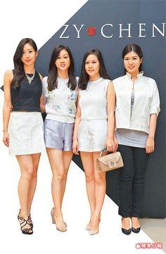 「太子4千金」許莉玟(左起)、許媛媛、許媖媖、許婷婷昨合體慶祝夏姿新店開幕。
