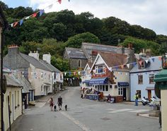 The Square, Cawsand