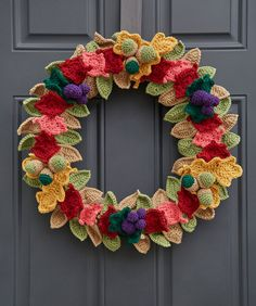 Yarnspirations : Fabulous Fall Wreath -Use your crochet skill to create a wreath of amazing autumn colors! These small pieces are great for having a take along project. And the finished wreath is perfect for giving your front door a color boost. Crochet Wreath, Crochet Fall, Holiday Crochet, All Free Crochet, Halloween Crochet, Crochet Style, Crochet Decoration, Crochet Home Decor, Crochet Leaves