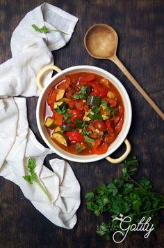 Leczo wegańskie według dr Ewy Dąbrowskiej | Kulinarne przygody Gatity - przepisy pełne smaku Chana Masala, Salsa, Soup, Mexican, Healthy Recipes, Vegan, Dinner, Pudding Chia, Cooking