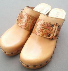 ESPRIT Wood Platform Heel Brown Leather Floral Clogs 8 Boho Mod Hippie Vtg #Espirit #Clogs #Casual