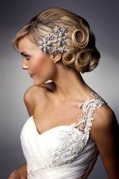 love the hair piece and the one strap on the dress and the sweet heart neck line