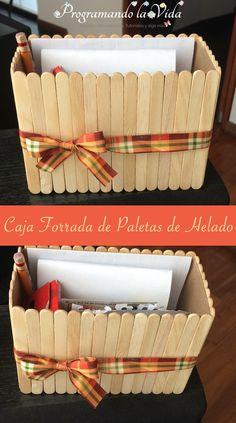eight ideias criativas de reciclagem pra organizar a casa I feel there's a recent syndrome that psyc Craft Stick Projects, Diy Popsicle Stick Crafts, Cute Crafts, Crafts To Make, Crafts For Kids, Frame Crafts, Dollar Store Crafts, Recycled Crafts, Recycled Decor
