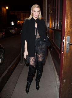 Pin for Later: Don't Miss a Single Supermodel Outfit on the Streets at PFW Day 7 Lara Stone