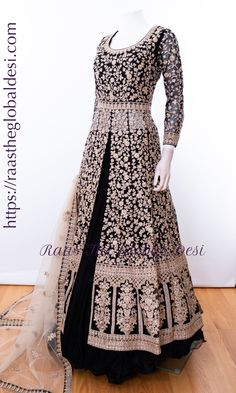 - CHOLI-Raas The Global Desi-[wedding_lehengas]-[indian_dresses]-[gown_dress]-[indian_clothes]-[chaniya_cholis] Source by nardiaminami - Indian Gowns Dresses, Pakistani Bridal Dresses, Indian Designer Outfits, Indian Outfits, Indian Clothes, Designer Anarkali Dresses, Designer Dresses, Lehnga Dress, Lehenga Choli