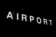 Dubai, uno de los aeropuertos internacionales más importantes de Asia o incluso del mundo... pero hay que excluir la Terminal 2. Allí tuvimos que pasar veinte horas antes de nuestro vuelo a Katmandú; veinte horas de peleas, frustraciones, empujones y consumismo en estado puro. #Dubai