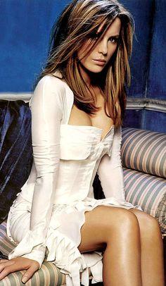 The Super Sexy Kate Beckinsale Photos) - Celebs Kate Beckinsale Hair, Underworld Kate Beckinsale, Kate Beckinsale Pictures, Beautiful Celebrities, Beautiful Actresses, Gorgeous Women, Most Beautiful Faces, Kate Hudson, Sexy Women