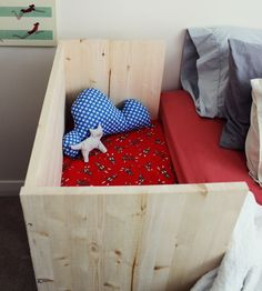 Baby Bed Extension Co Sleeper Bed Extension, Baby Co Sleeper, Diy Bebe, Idee Diy, Natural Baby, Cool House Designs, Baby Cribs, Baby Sleep, Future Baby
