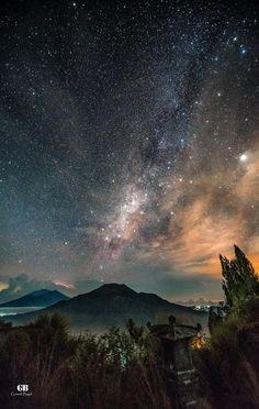 milky way galaxy map Night Photography, Nature Photography, Landscape Photography, Milky Way Pictures, Hubble Pictures, Hubble Images, Photo Trop Belle, Galaxy Map, Galaxy Facts