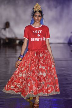 See the complete Ashish Spring 2017 collection from London Fashion Week.