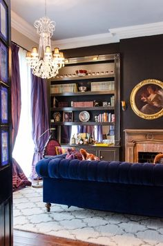 Name: Todd and Kate Novak Location: French Quarter — New Orleans, Louisiana Size: 675 square feet New Orleans Decor, Colorful Interiors, New Orleans Homes, Home Decor, House Interior, Home Interior Design, Interior Design, Parisian Style Decor, French Apartment