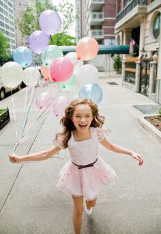vogue-enfants:    She looks so happy :)