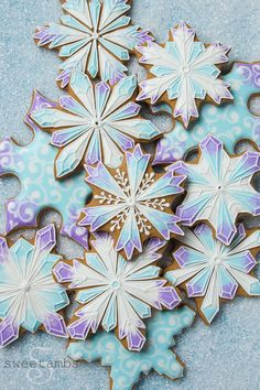 I'm a little embarrassed to admit that Olive and I just watched Frozen for the first time last weekend! I don't know why it took us so long! I suppose it was good timing though because it was fresh in … Continue reading → Christmas Sugar Cookies, Easter Cookies, Birthday Cookies, Snowflake Cookie Cutter, Snowflake Cookies, Frozen Cookies, Iced Cookies, Olaf Cookies, Crazy Cookies