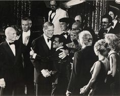 Souvenirs - Photo - John Wayne, Sammy Davis Jr et Yul Brynner