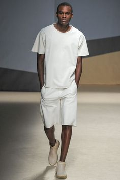 casual loose white t shirt and shorts