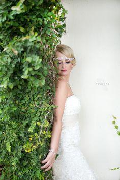 beautiful bride - True Era Photography #weddingphotography #weddingphotographer #jacksonvilleweddingphotographer #staugustineweddingphotographer #bride #gorgeous #greatgatsby #theme #vines #palenciaclub #staugustine #florida #headband #jeweledheadband #1920's