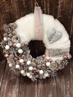 Christmas Mesh Wreaths, Christmas Baubles, Christmas 2019, Winter Christmas, Handmade Christmas, Christmas Decorations, Xmas, Advent Wreath, Diy Wreath