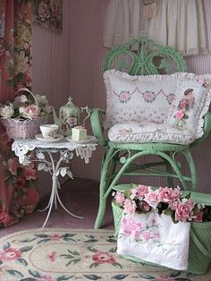 Shabby Cats and Roses: Pink & Green For Tea Tuesday