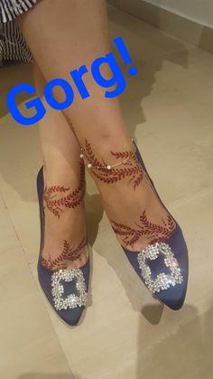 Henna Tattoo Designs Simple, Arabic Henna Designs, Unique Mehndi Designs, Beautiful Mehndi Design, Bridal Mehndi Designs, Bridal Henna, Leg Henna, Foot Henna, Henna Mehndi