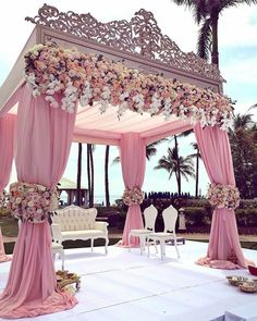Wow 😍😍😍 Mandap design by Blooms by Photo by Wedding Stage, Wedding Goals, Wedding Themes, Wedding Designs, Wedding Events, Wedding Ceremony, Dream Wedding, Wedding Decorations, Wedding Day