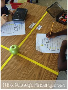 Use tape to separate table space between students so they have their own space - great classroom management tip Classroom Behavior, Classroom Environment, School Classroom, Classroom Ideas, Future Classroom, Classroom Design, Classroom Organisation, Teacher Organization, Classroom Management