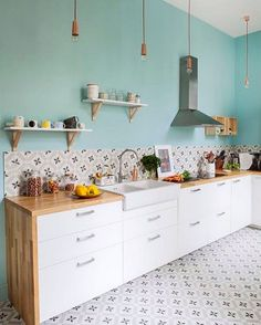 111 Eclectic Kitchen Design, Ideas, Remodel, and Decor For Your Home Eclectic Kitchen, Kitchen Sets, Kitchen Tiles, Kitchen Colors, Kitchen Flooring, New Kitchen, Kitchen Dining, Kitchen Decor, Kitchen White