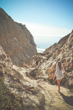 Probably the best surf spot in San Diego - Blacks Beach, San Diego San Diego Surfing, San Diego Beach, Tahiti, Maldives, Santorini, Oh The Places You'll Go, Places To Visit, Destinations, San Diego Travel