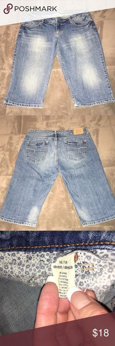 """AEO Light Wash/Bleached Out Bermuda Jean Shorts Super cute, stretchy and stylish! Great light wash/faded/intentionally bleached out bermudas. Mid rise with a 15"""" inseam. Excellent quality and condition. Check out my other listings to bundle and save 25% 😎! American Eagle Outfitters Shorts Jean Shorts"""