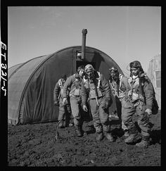 From the PBS Black Culture Connection- A short article on the Tuskegee Airmen with links to three additional sites with interviews and additional primary sources.  #DoubleVCampaign #TuskegeeAirmen #primarysource