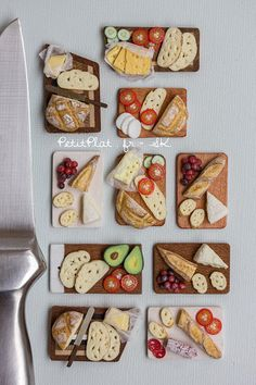 Miniature Sandwich Boards in 1/12 Dollhouse Scale por PetitPlat