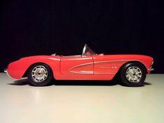 Chevrolet Corvette  Red Saphire  1957 - 1:18 - Selten, komplett in Rot!