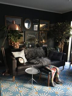Need some drama in your busy day to day life? Well, pick original, creative and sophisticated deco items and furniture and make your home really unique! Here are nine dreamy spaces that will inspire and amaze you in the same time: 1. The cool element Insert a quote written with cool lights in your living room and the whole space