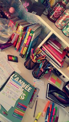 School Suplies, Cool School Supplies, College School Supplies, Study Organization, High School Organization, Study Room Decor, Study Pictures, School Study Tips, Study Space