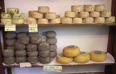 Pienza Italy Pictures - Pecorino Cheese of Pienza good-food Pecorino Cheese, Italy Pictures, Under The Tuscan Sun, Tuscan Decorating, World Recipes, Italian Style, Queso, Tuscany, Italian Recipes