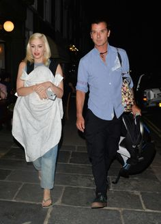 Gwen Stefani Is A Babywearing Mama