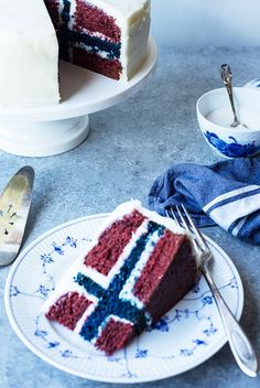 Your friends will be amazed when you slice open this incredible cake to reveal a secret Norwegian flag inside! Learn how to build this cake in this recipe from Maria Stordahl Nelson in The Norwegian American! Fondant Cakes, Cupcake Cakes, Cupcakes, Baby Cakes, Cake Boss Recipes, Blue Velvet Cakes, Birthday Cakes For Teens, Teen Birthday, Norwegian Flag