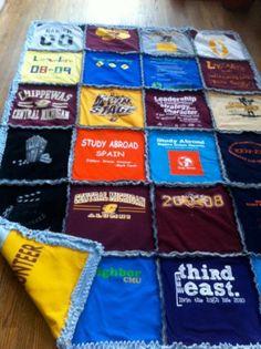 Pólóból patchwork takaró | Fotó: etsy.com