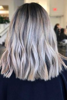 Wavy Blonde Hair picture 2