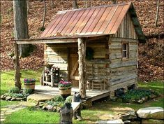 Little Cabin in the woods. Small Log Cabin, Little Cabin, Tiny House Cabin, Log Cabin Homes, Cozy Cabin, Little Houses, Guest Cabin, Old Cabins, Tiny Cabins