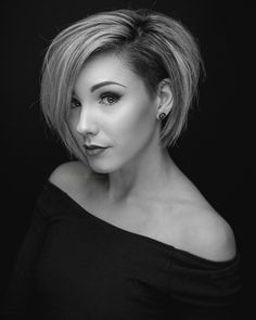 Normally short hair makes you appear much younger. But short hair does not suit every type of face. These Short bob hairstyles for different type of hair. One Side Shaved Hairstyles, Shaved Side Haircut, Cute Hairstyles For Short Hair, Pretty Hairstyles, Short Hair Cuts, Hairstyles 2018, Short Sides Haircut, School Hairstyles, Pixie Cuts