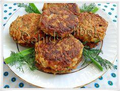 Karnabahar köftesi Turkish Recipes, Ethnic Recipes, World Recipes, Tandoori Chicken, Salmon Burgers, Pork, Food And Drink, Meat, Kitchens