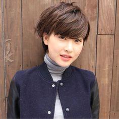 ショートヘアの似合う女性って素敵です☆自分に似合うショートヘアが必ず見つかるはずです。スッキリキュートなショートへアで気持ちも軽やかに春を迎えたいですね。魅力的なショートヘアをどうぞご覧ください♡