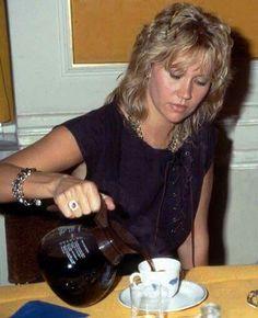 Agnetha Faltskog ... pouring coffee