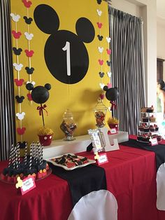 Mickey Mouse Desserts, Mickey Mouse Birthday Decorations, Mickey Mouse Theme Party, Mickey 1st Birthdays, Fiesta Mickey Mouse, Mickey Mouse First Birthday, Mickey Mouse Clubhouse Birthday Party, 2nd Birthday, Birthday Ideas