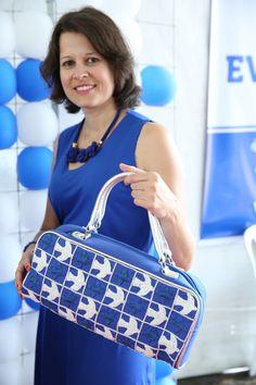 Bolsa desenho Athos Bulcão -  azulejo igrejinha - bordado à mão Tema do Desfile: LIVRE PARA VOAR E IMAGINAR.