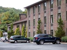 Boone (NC) Comfort Suites United States, North America The 3-star Comfort Suites offers comfort and convenience whether you're on business or holiday in Boone (NC). Both business travelers and tourists can enjoy the hotel's facilities and services. Free Wi-Fi in all rooms, 24-hour front desk, facilities for disabled guests, car park, business center are there for guest's enjoyment. Guestrooms are fitted with all the amenities you need for a good night's sleep. In some of the r...