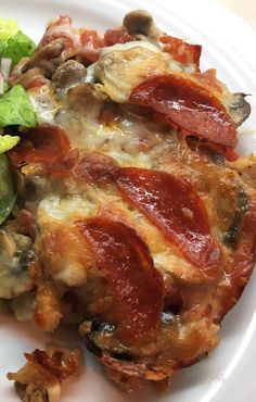 By Kath Dedon . We have had this Low-Carb Pizza Casserole a couple of times now, and I just love it! Even Bob, who really can't get very excited about pizza, likes it. So I decided it's a recipe to… Healthy Low Carb Dinners, Low Sugar Recipes, Low Carb Chicken Recipes, Healthy Low Carb Recipes, Low Carb Dinner Recipes, Keto Recipes, Cooking Recipes, Sugar Foods, Sugar Diet